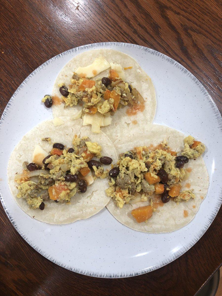 cheftomcooks-made-killer-breakfast-tacos-the-next-morning-too-https-t-co-aumedgh3xv