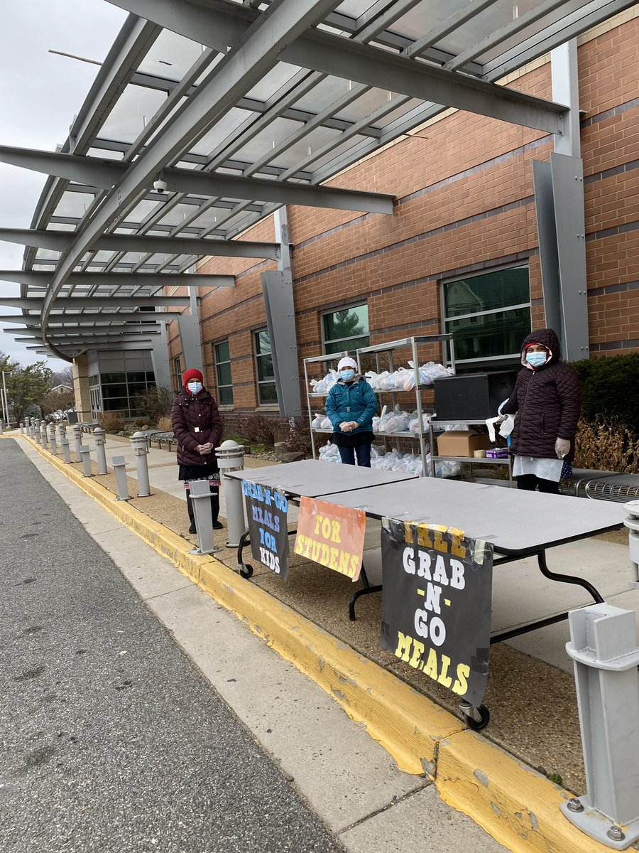 its-cold-outside-but-we-are-serving-at-all-locations-today-from-11am-1pm-https-t-co-4yn3i36smt